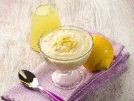 Рецепта Лимонов мус / крем от извара, захар и бита сметана с желатин